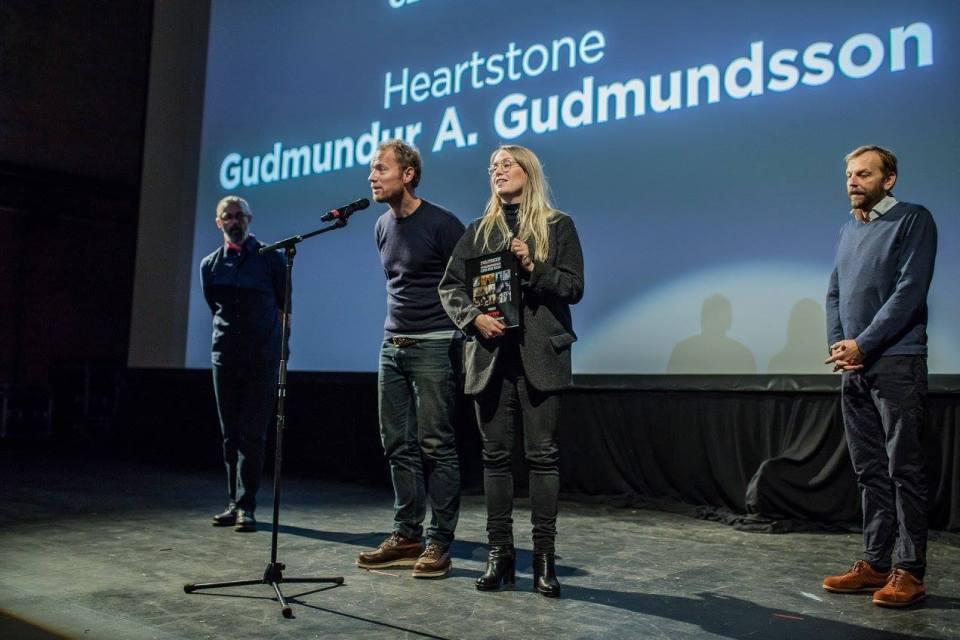 Jesper Morthorst og Lise Orheim Stender frá SF Studios í Danmörku taka á móti verðlaununum.