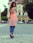 Rochie Sheinside, sandale de piele, jeans Zara, poseta Mango