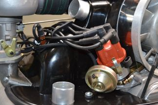 Abstandshalter für die Zündkabel am KLAUS-Motor