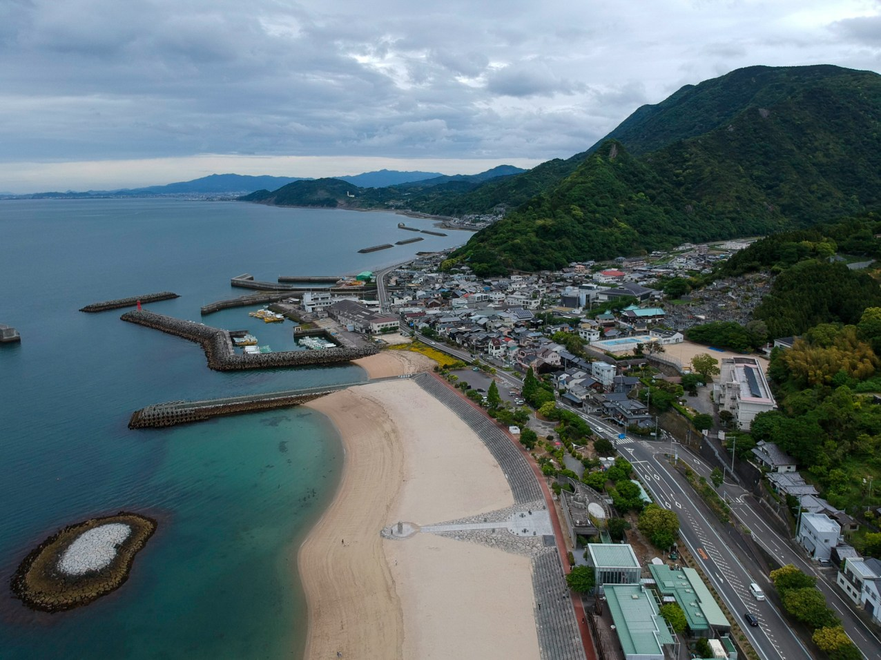 On the way north on the west coast of Shikoku, passing through smaller towns like Iyo-Kaminada.