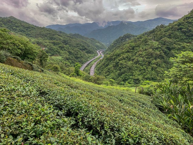 View from up high on Route 106乙, where Highway 5 snakes its way through the mountains towards Taipei.