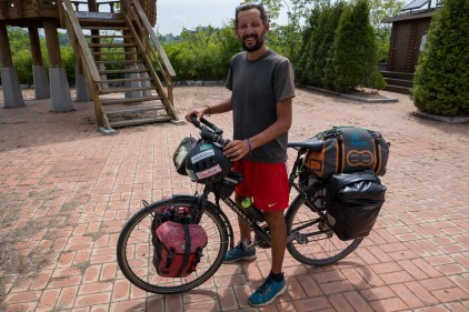 Met fellow cyclist Mirko from Pescara, Italy. He had started in Indonisia 9 months ago, making his way through Thailand, Vietnam, Cambodia, Laos and China.