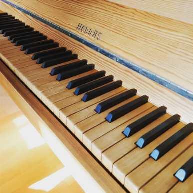 """Hellas"" Nature piano with white keys out of wood! Feels good :) #piano #klavier #music #klaviermusik #klavierspielen #pianist #pianocover #klavierunterricht #musik #klavierstück #klavierliebe #klavierkonzert #klavierkunst #pianomusic #klavierüben #klavierabend #klaviermusikzumträumen #klaviernoten #pianolessons #klavieres #pianolesson #pianolover #klavierunterrichtfürkinder #pianolove #musician #klavierduo #klaviercover #instapiano #pianoforte #pianoman @bruceleetags"
