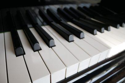 Klaviertasten gesäubert und poliert