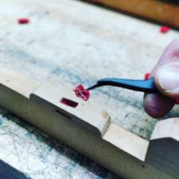 restoration of a piano keyboard.uuh yeah?? . . . #handwerk #pianoservice #pianotuner #klavierwerkstatt #klavierstimmer #werkstatt #pianotech #klavier #klavierbau #klavierbauer #handwerk #pianoservice #pianotech#misterpiano #invention #oldbutgold #old #new #piano #pianolover #pianoservicenordwest #piandoo