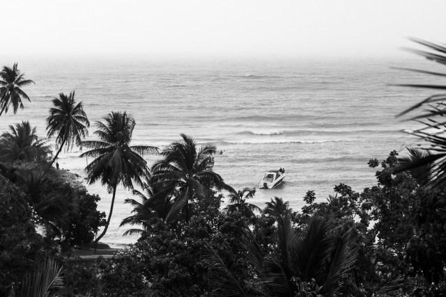 En dag kom stormen in och vågorna nådde upp till frukostbordet