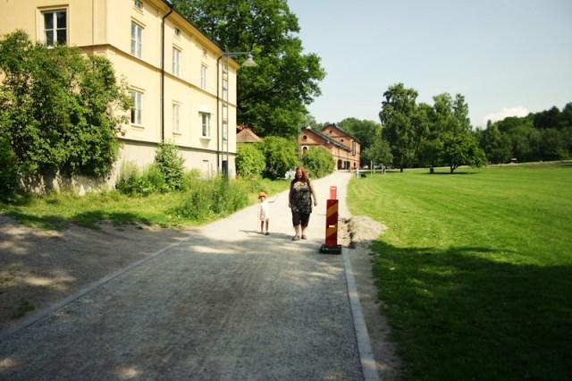 En stros med Nora och Anna-Karin i skärgården