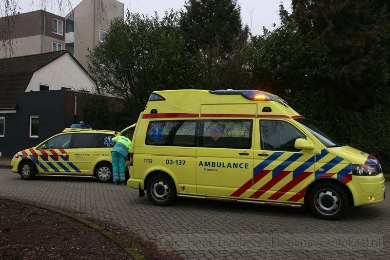 ambulance, umcg, rode kruis