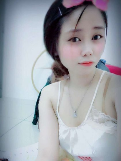 ALLY from VIETNAM YOUNG BEAUTIFUL FRIENDLY GOOD SERVICE