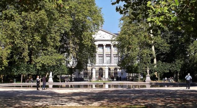Parc de Bruxelles, Palais de la Nation et Grand Bassin