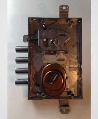 Κλειδαριά πόρτας ασφαλείας Multilock 2A-kleidaria-portas-asfaleias-2015-02-02_15.13.3413