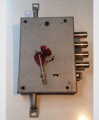 n Κλειδαριά πόρτας ασφαλείας Νέου τύπου (Omega Plus) multlock full 2b a
