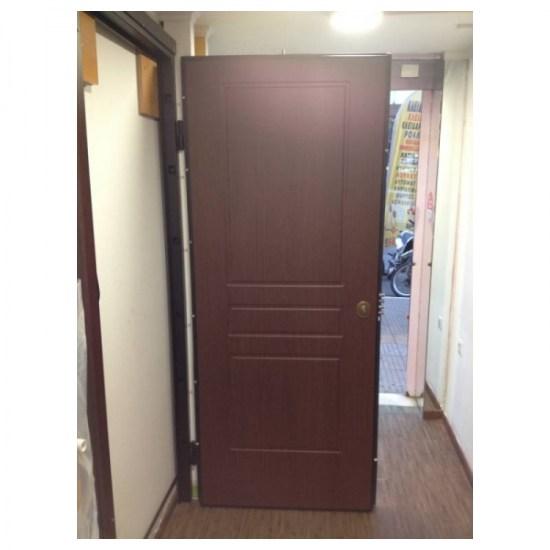 Θωρακισμενή πόρτα ασφαλείας καφέ με ασφάλεια στο πάνω μέρος