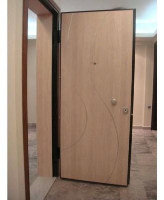 Θωρακισμενή πόρτα ασφαλείας μπεζ