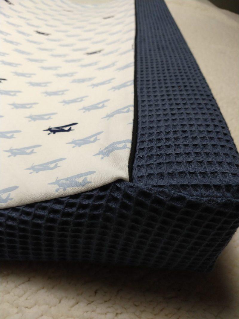wafel aankleedkussenhoes jeansblauw katoen vliegtuigjes