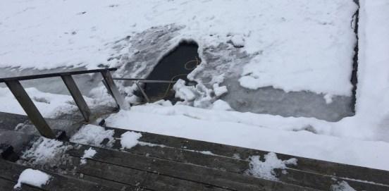 winterbadning in het ijs