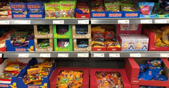 snoepschap in de deense supermarkt