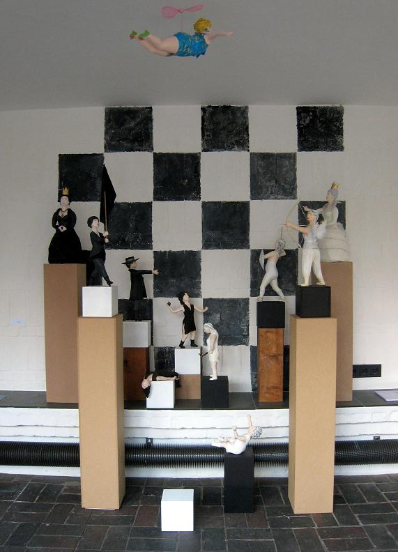 Schachfiguren 2012 Pappmachéfiguren von Johanna Iversen