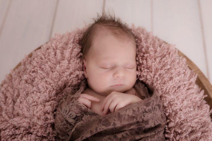 Babyfotograf Schweiz  Familienfotos und Neugeborenenbilder