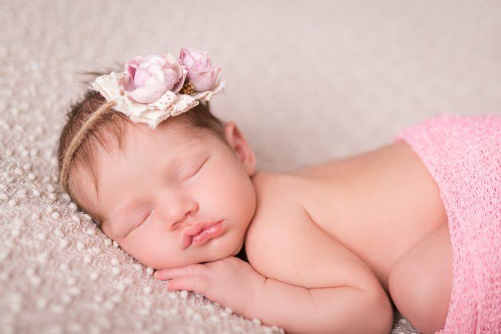 Newbornshooting mit sssen Geschwisterbildern im