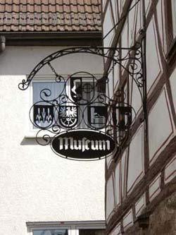 Schild-Heimatmuseum_250px