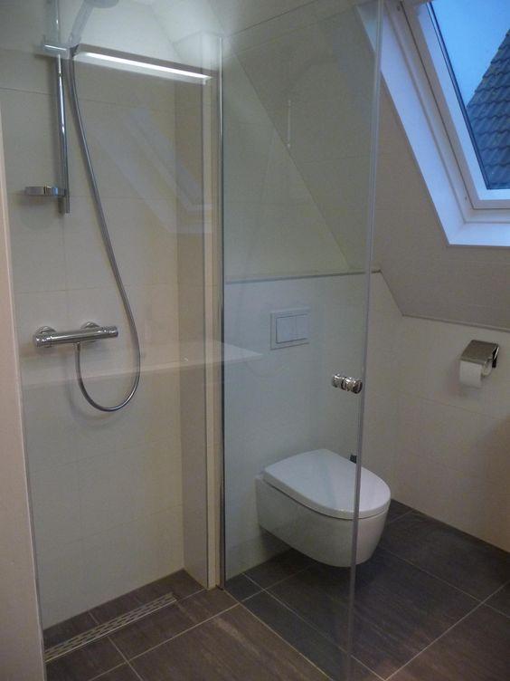 badkamerzolderdouche  Kleine badkamers