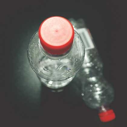 pfand  Kampf der Flaschensammler – jeder Cent zählt pfand