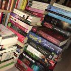 Buecher-Stapel  Mit alten Büchern die Rente finanzieren – Teil 1 Buecher Stapel 140x140