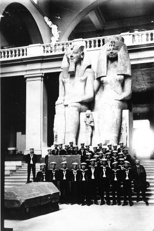 127 Ramses der II mit Frau (vorderseite)