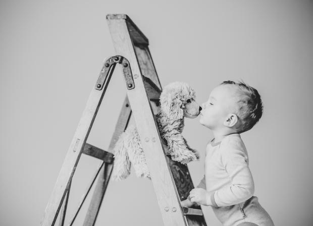 Kidsphotography, Kinderfotos, Kinderfotografin, Fotostudio, Kuscheltier, Freund, Kinderlachen, Wimpern, Details