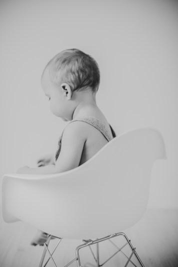 Babyfotos kleinernordfuchs eigenes Outfit fotoshooting outfit inspiration graue Hose