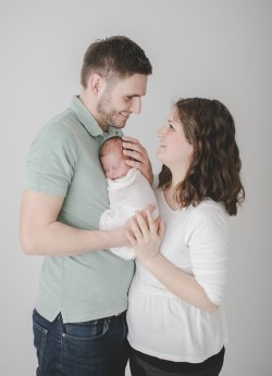 Familienfotos Familienfotografin Fotostudio Heilbronn Beilstein Neugeborenenfotos