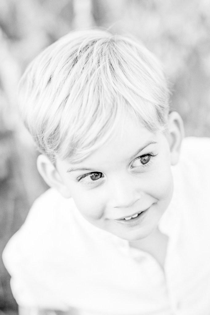 Familienfotos im Weinberg Michaela Klose Kinderfotos Schwarz weiß