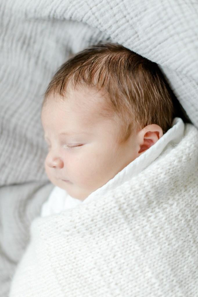Neugeborenenfotos zu Hause Hoemstory kleiner Nordfuchs
