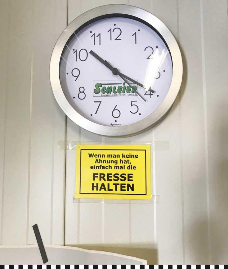 cafe-konditorei-heinemann-robertz-spargel-uhr