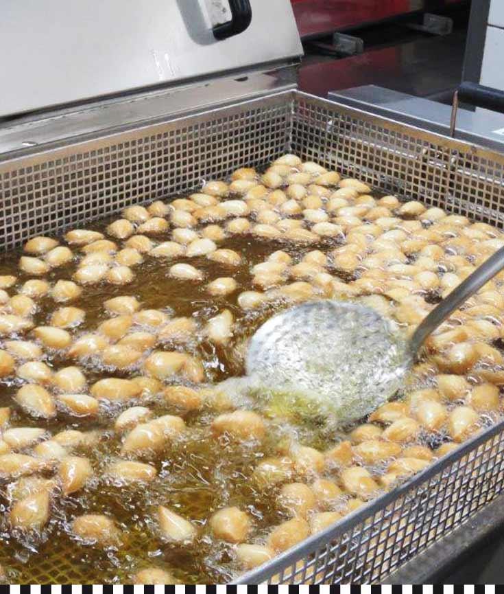 in gutem Fett gebacken: frische Mutzenmandeln aus der Konditorei Heinemann