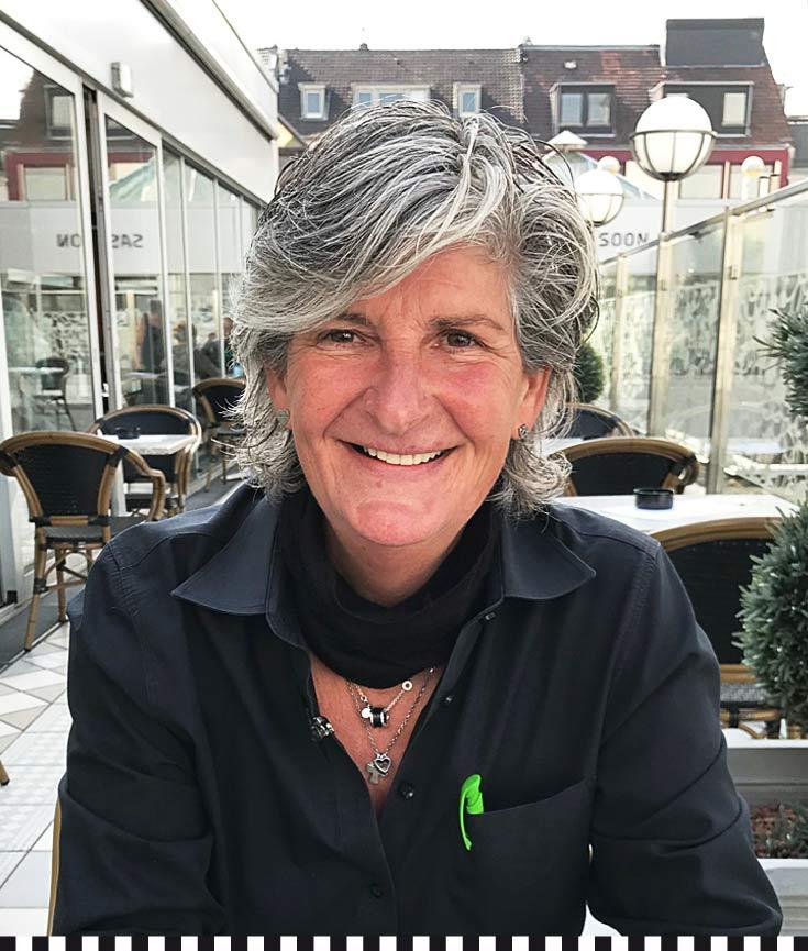 Souverän: Tanja Behrens hält den Ball flach und die Ansprüche hoch