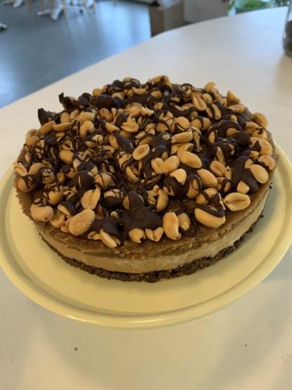 glutenvrij lactosevrij vegan bezorgen klein geluk bakery snicker taart