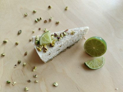 glutenvrij lactosevrij vegan bezorgen klein geluk bakery lemon pistache kokos