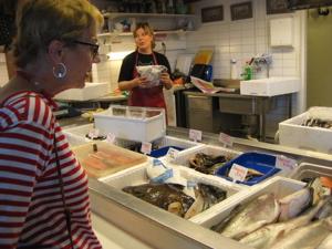 Ritva buys fish