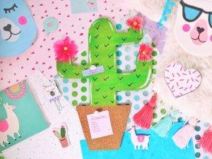 Read more about the article DIY Kaktus Pinnwand aus Kork – Dekoratives Memoboard selber machen