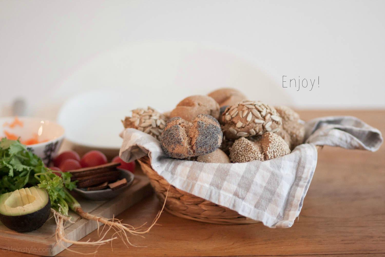food friday enjoy rein pflanzliche broetchen zum fruestueck pic ©kleinstyle.com