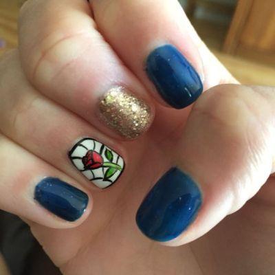 Belle Fingernägel