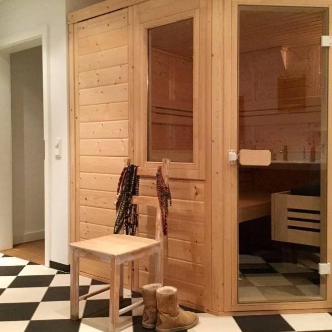 Sauna_Uggboots1