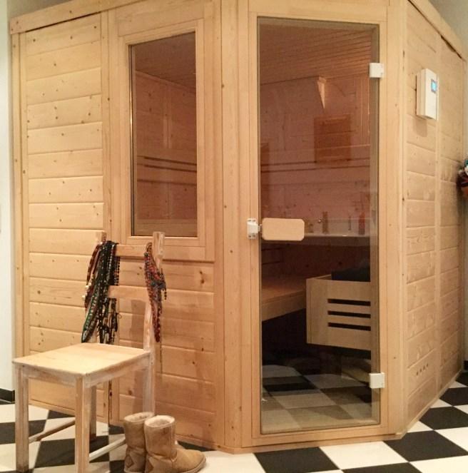 Sauna_Uggboots2