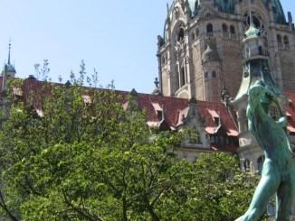 Hannover Neues Rathaus Bogenschütze