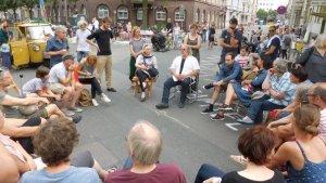 Jamiel Kiez Straßenfest: AnwohnerInnen diskutieren mit Bezirksbürgermeister Rainer Grube