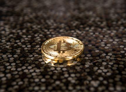 Wielka przecena bitcoina, czyli zawirowania na rynku kryptowalut