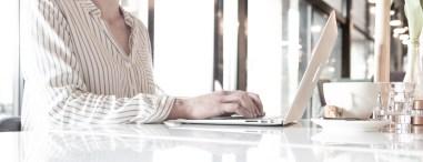 handen laptop