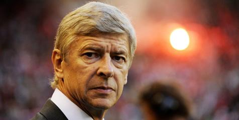 Wenger Waspadai Serangan Balik Schalke